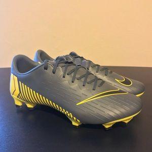 NEW Nike Mercurial Vapor 12 Pro Soccer Cleats